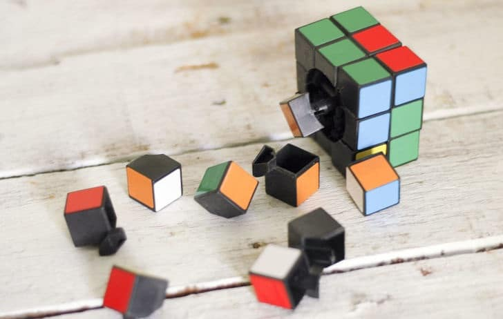 démonter univers rubiks cube