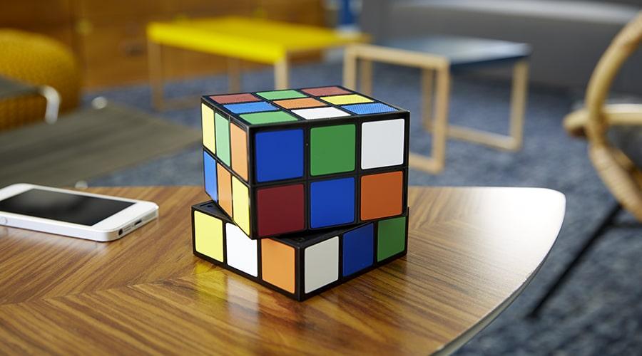 enceinte rubik 39 s cube laquelle choisir. Black Bedroom Furniture Sets. Home Design Ideas